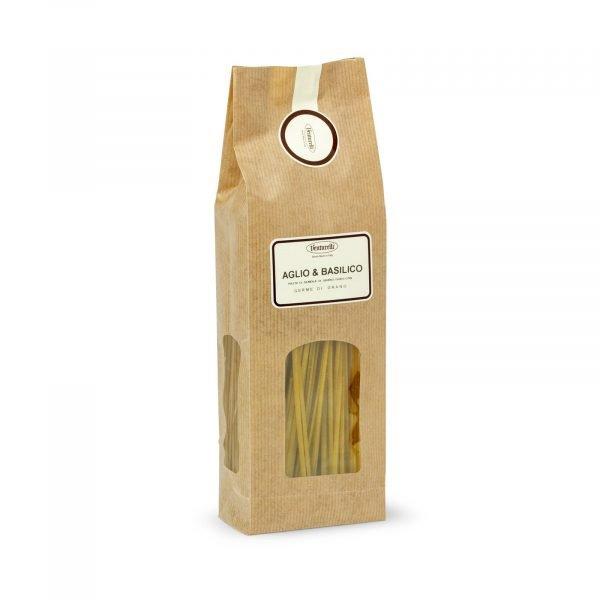 Linguine aglio e basilico
